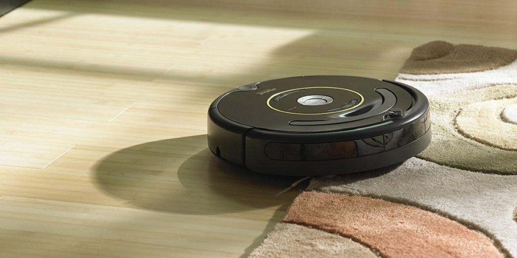small circular robotic vacuum - https://giftedgeek.co.uk/