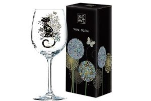 Wine glass with cat etched theme
